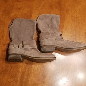 Crown vintage suede ankle boots